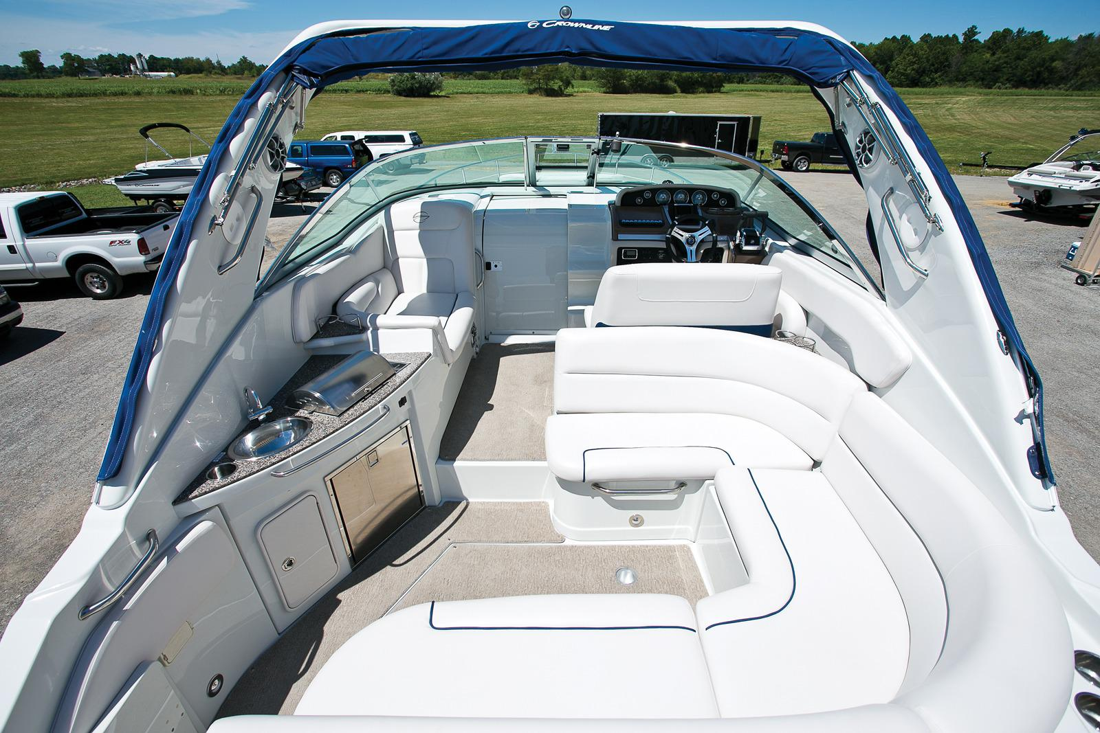 2017 Crownline 330 SY in Osage Beach, Missouri