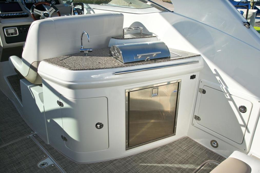 2018 Crownline 335 SS in Fort Smith, Arkansas