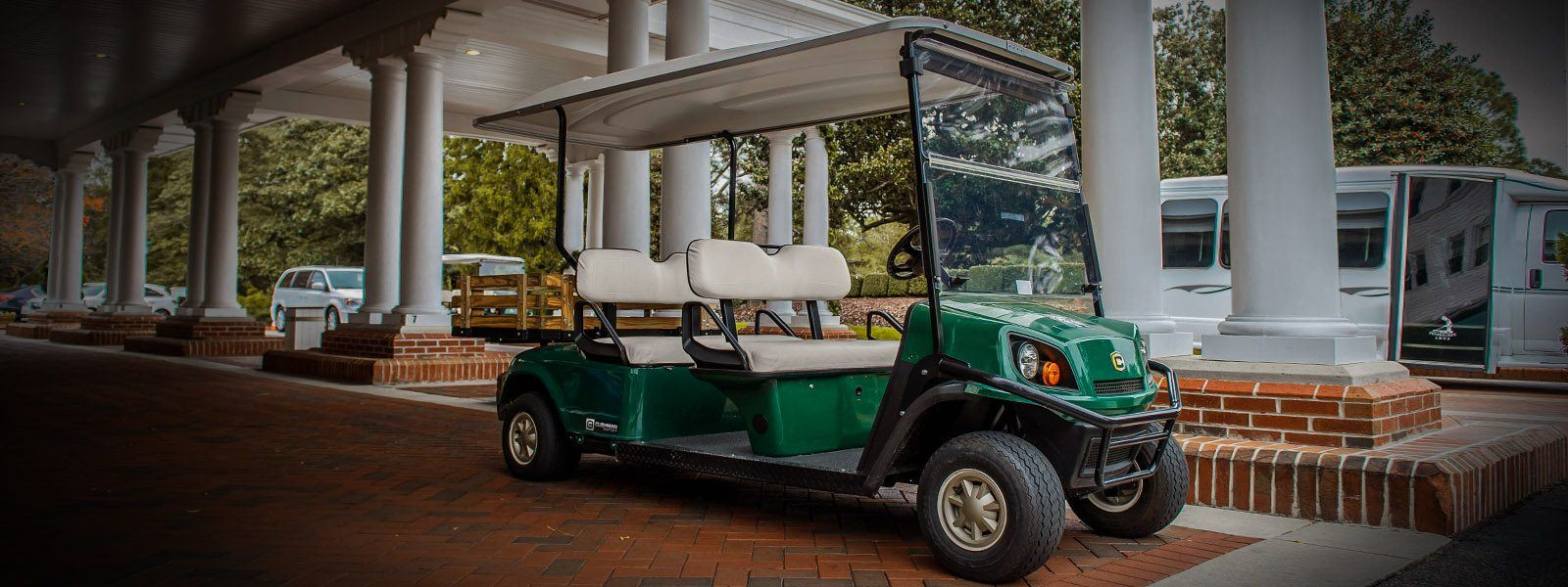 2017 Cushman Shuttle 4 Gas in Pikeville, Kentucky