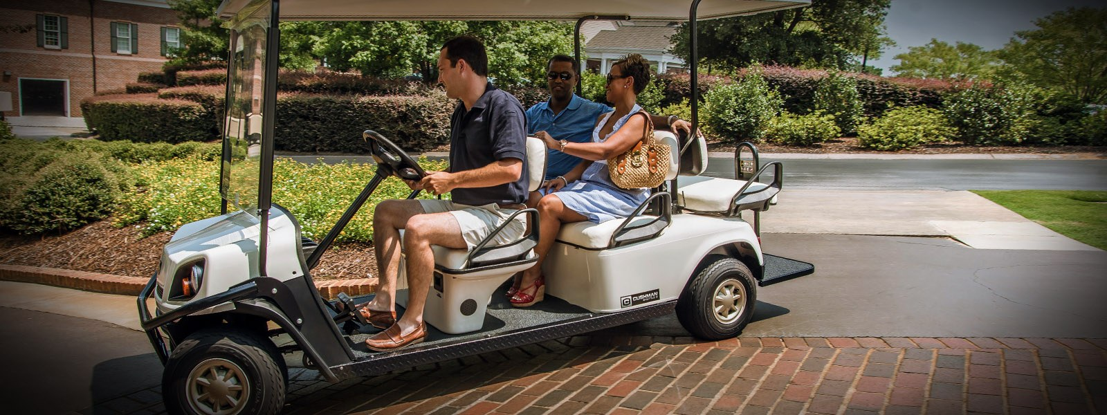 2017 Cushman Shuttle 6 Electric in Exeter, Rhode Island