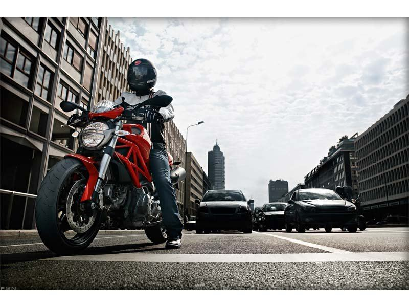 2012 Ducati Monster 696 in Belleville, Michigan - Photo 17