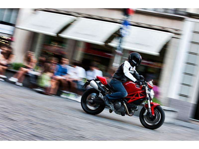 2012 Ducati Monster 696 in Belleville, Michigan - Photo 16