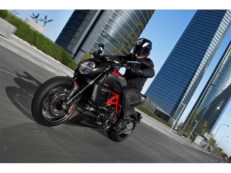 2013 Ducati Diavel Carbon in Shelby Township, Michigan - Photo 26