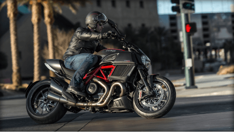 2015 Ducati Diavel Carbon in Concord, New Hampshire - Photo 30