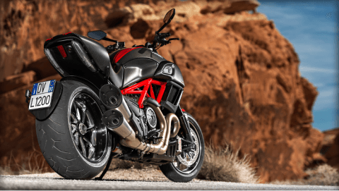 2015 Ducati Diavel Carbon in Concord, New Hampshire - Photo 39