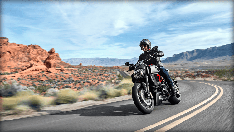 2015 Ducati Diavel Carbon in Concord, New Hampshire - Photo 37