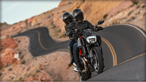 2015 Ducati Diavel Carbon in Concord, New Hampshire - Photo 35