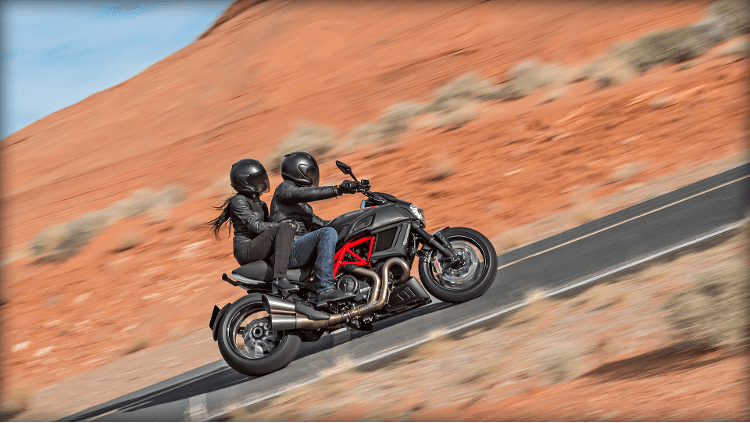 2015 Ducati Diavel Carbon in Concord, New Hampshire - Photo 36