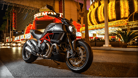 2015 Ducati Diavel Carbon in Concord, New Hampshire - Photo 32