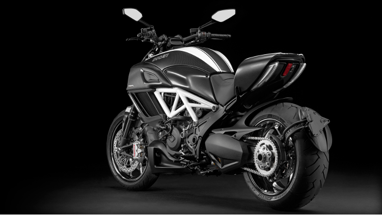 2015 Ducati Diavel Carbon in Chesapeake, Virginia - Photo 3
