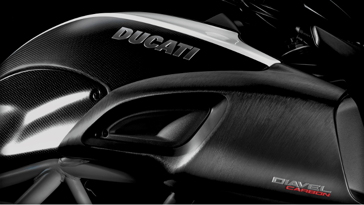 2015 Ducati Diavel Carbon in Fort Montgomery, New York - Photo 9