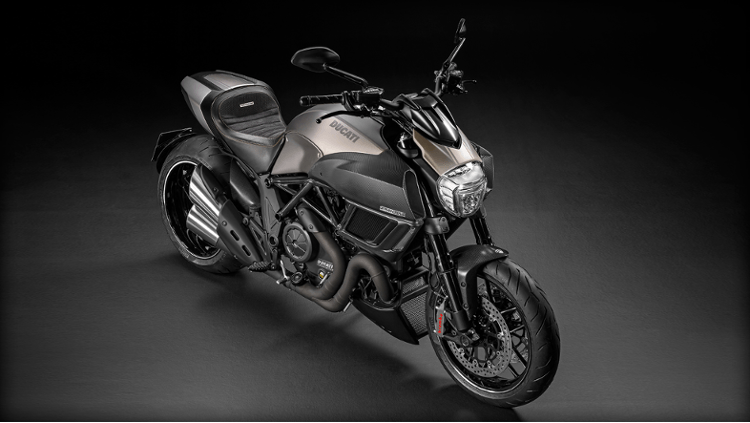 2015 Ducati Diavel Titanium in Daytona Beach, Florida