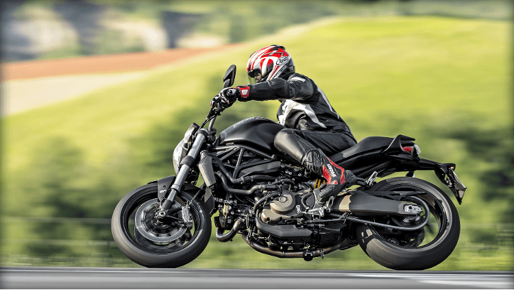 2015 Ducati Monster 821 Dark in Sacramento, California - Photo 20