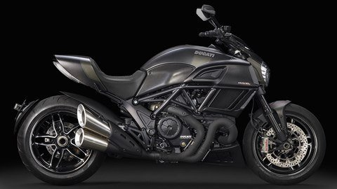 2016 Ducati Diavel Carbon in Oakdale, New York
