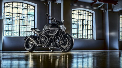2016 Ducati Diavel Carbon in Fort Montgomery, New York