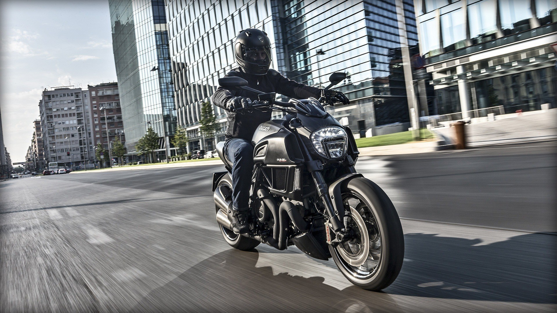 2016 Ducati Diavel Carbon in Columbus, Ohio
