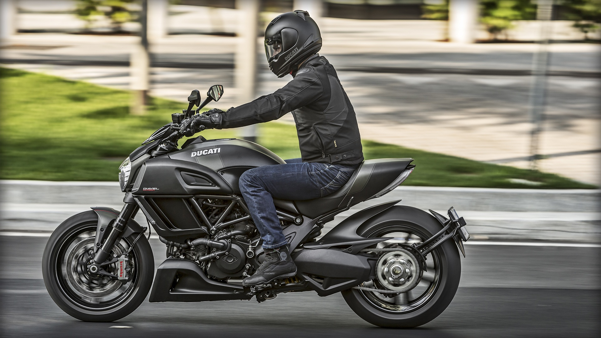 2017 Ducati Diavel Carbon in Columbus, Ohio