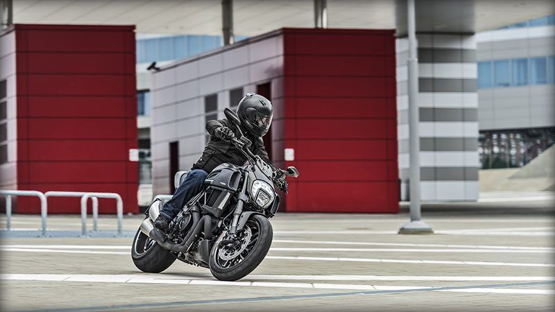 2017 Ducati Diavel Carbon in Albuquerque, New Mexico - Photo 13