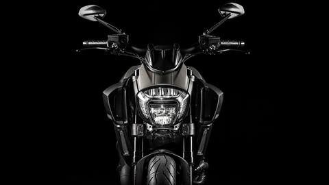 2017 Ducati Diavel Titanium in Northampton, Massachusetts