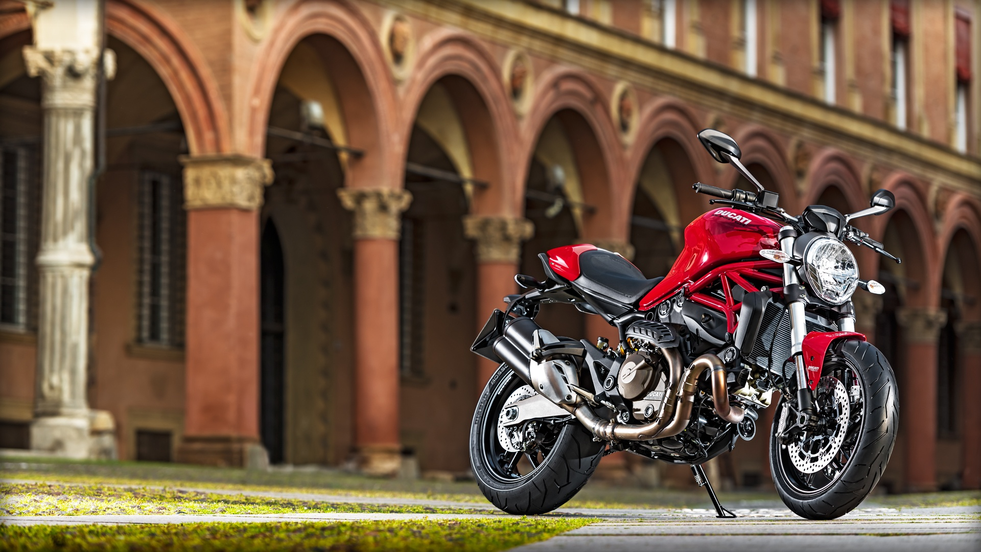 2017 Ducati Monster 821 in Northampton, Massachusetts