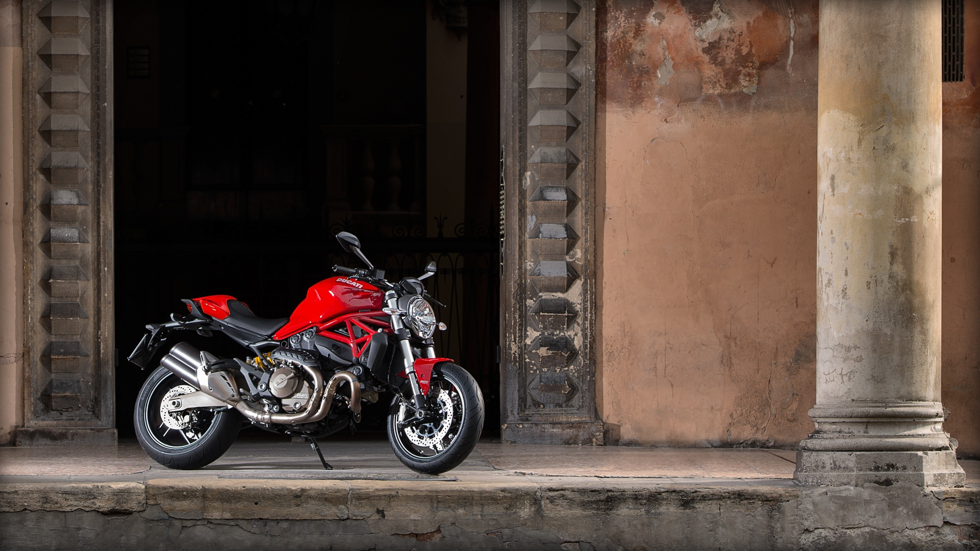 2017 Ducati Monster 821 in Columbus, Ohio
