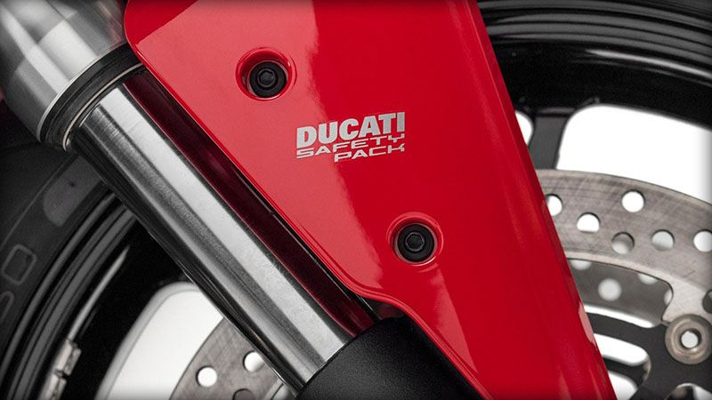 2017 Ducati SuperSport in Medford, Massachusetts