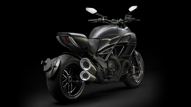2018 Ducati Diavel Carbon in Springfield, Ohio - Photo 2