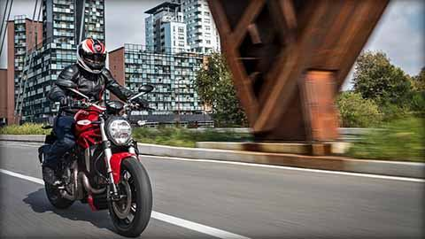 2018 Ducati Monster 1200 in Greenville, South Carolina