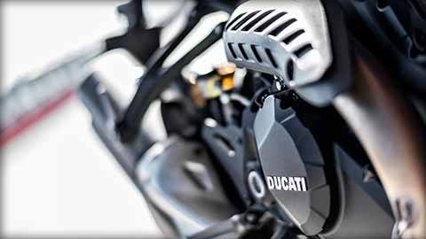 2018 Ducati Monster 1200 R in Medford, Massachusetts