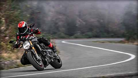 2018 Ducati Monster 1200 S in Medford, Massachusetts - Photo 8