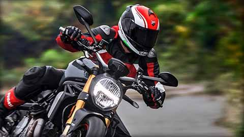 2018 Ducati Monster 1200 S in Medford, Massachusetts - Photo 9