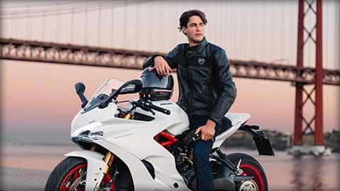 2018 Ducati SuperSport S in Oakdale, New York