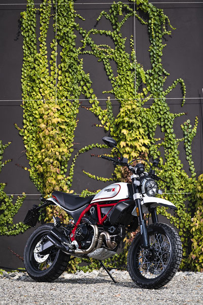 2019 Ducati Scrambler Desert Sled in Brea, California - Photo 4