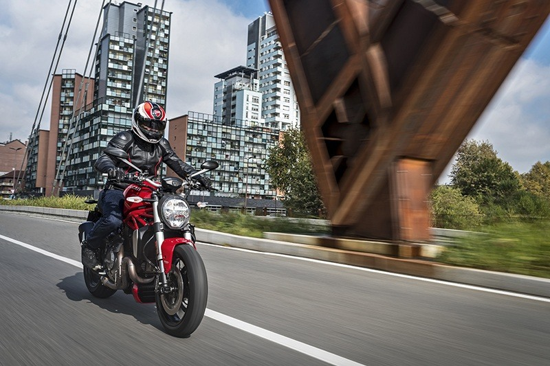 2019 Ducati Monster 1200 S in Medford, Massachusetts - Photo 15