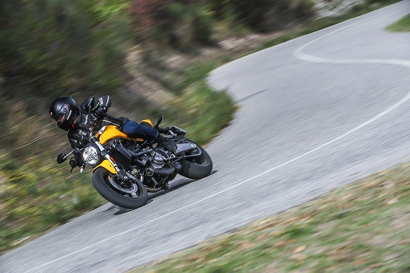 2019 Ducati Monster 821 in Oakdale, New York - Photo 9
