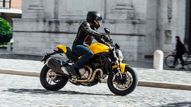 2019 Ducati Monster 821 Stealth in Northampton, Massachusetts - Photo 10
