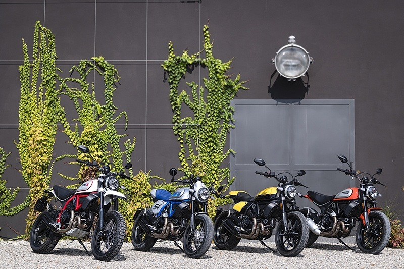 2019 Ducati Scrambler Cafe Racer in Medford, Massachusetts - Photo 3