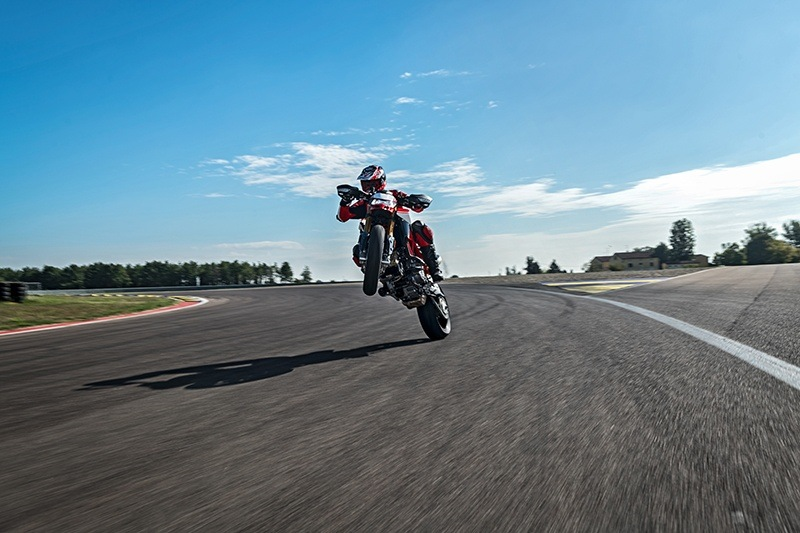 2019 Ducati Hypermotard 950 SP in Harrisburg, Pennsylvania - Photo 11
