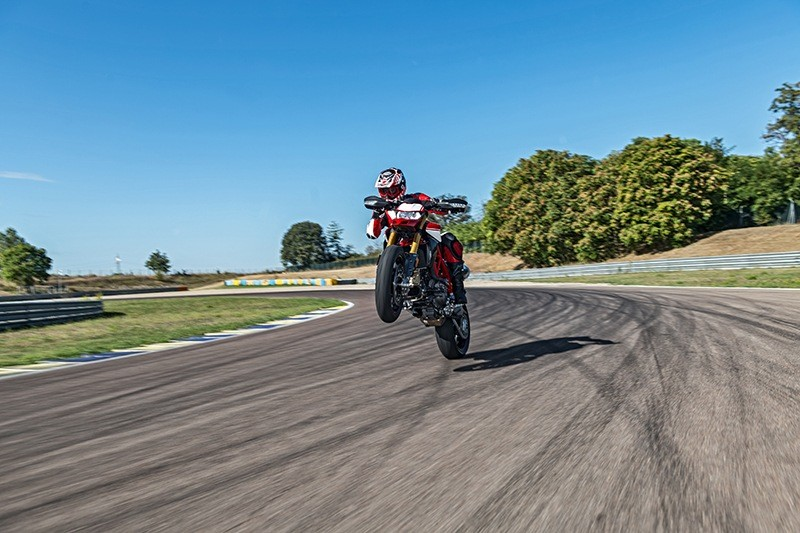 2019 Ducati Hypermotard 950 SP in Medford, Massachusetts - Photo 13