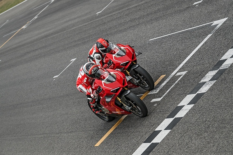 2019 Ducati Panigale V4 R in Fort Montgomery, New York - Photo 14