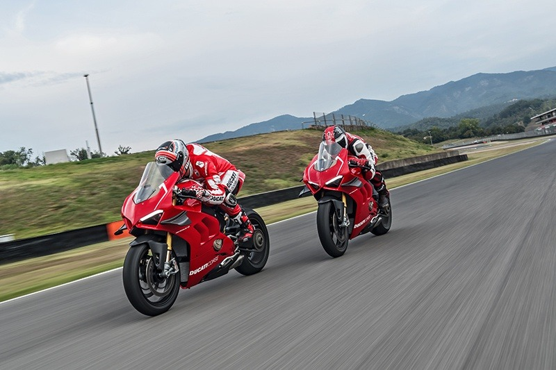 2019 Ducati Panigale V4 R in Fort Montgomery, New York - Photo 20
