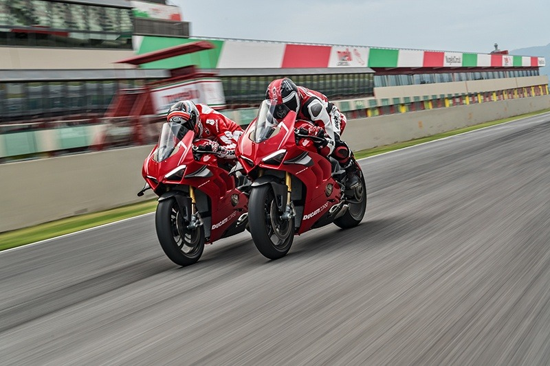2019 Ducati Panigale V4 R in Fort Montgomery, New York - Photo 15