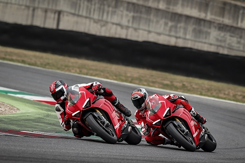2019 Ducati Panigale V4 R in Fort Montgomery, New York - Photo 27