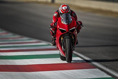 2019 Ducati Panigale V4 S in New York, New York - Photo 3