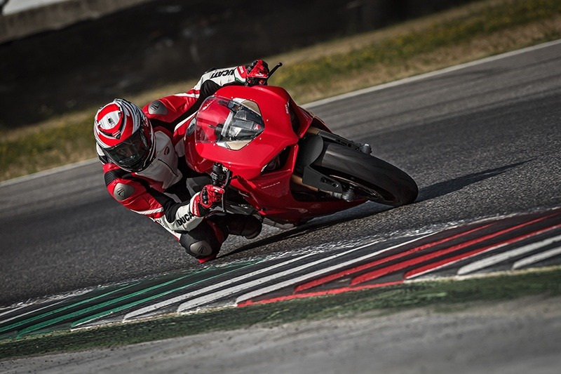 2019 Ducati Panigale V4 S in Fort Montgomery, New York - Photo 10