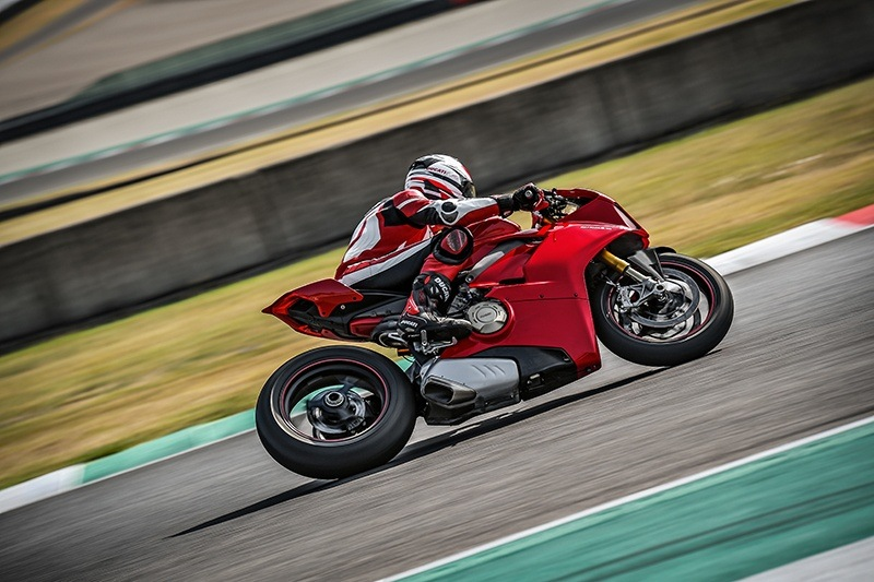 2019 Ducati Panigale V4 S in New York, New York - Photo 11