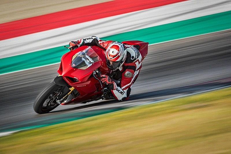 2019 Ducati Panigale V4 S in New York, New York - Photo 16