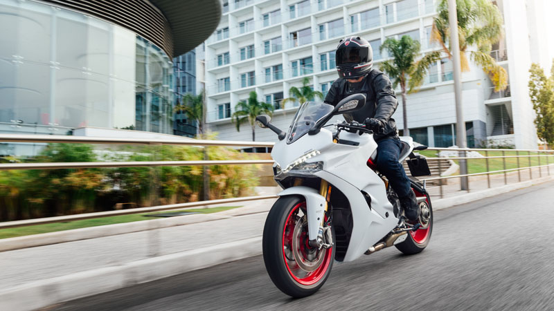 2019 Ducati SuperSport in Medford, Massachusetts - Photo 9