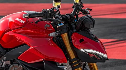 2020 Ducati Streetfighter V4 S in Medford, Massachusetts - Photo 5