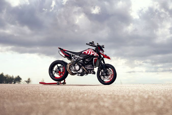 2020 Ducati Hypermotard 950 RVE in Albuquerque, New Mexico - Photo 2